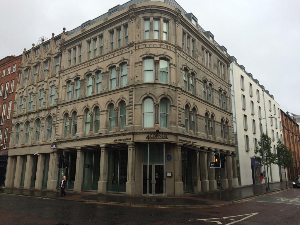 Das Hotel in dem die Pinguins in Belfast übernachten heißt Premier Inn und liegt direkt in der Innenstadt.